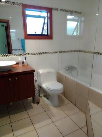Dormitorio 1 con baño en suit
