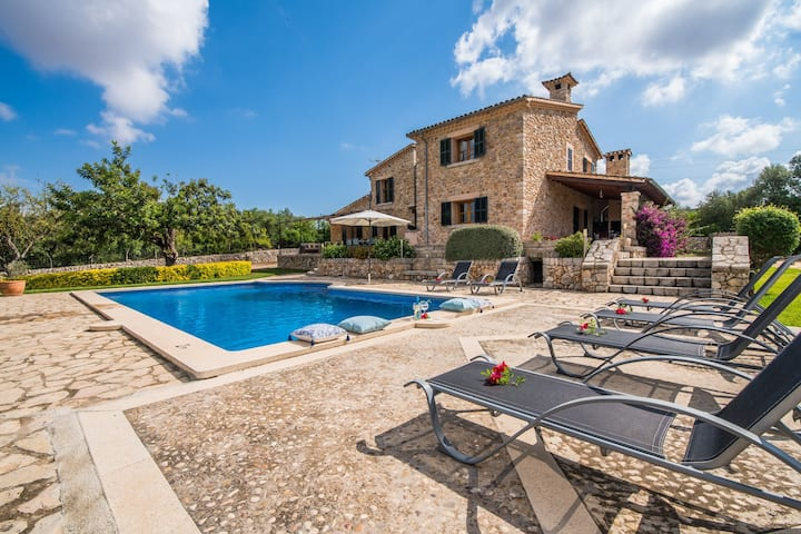 ☼Sa Font - Beautiful natural stone house with pool