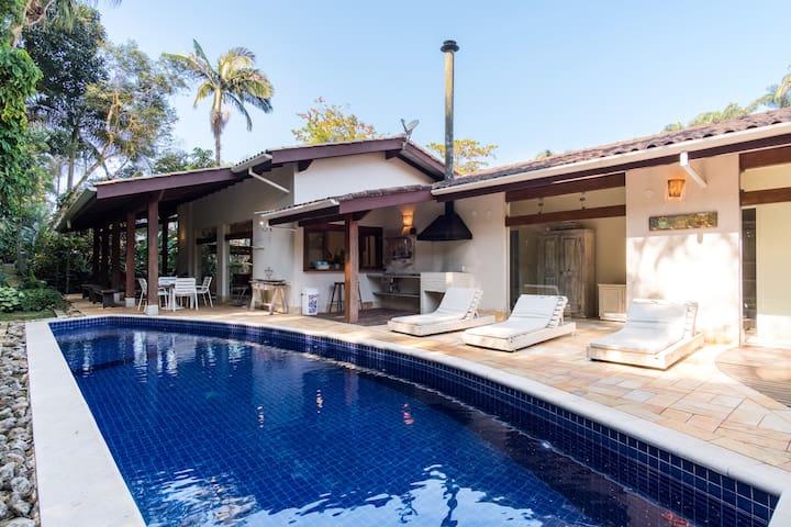 Beautiful house in Ubatuba Condominium Pedra Verd