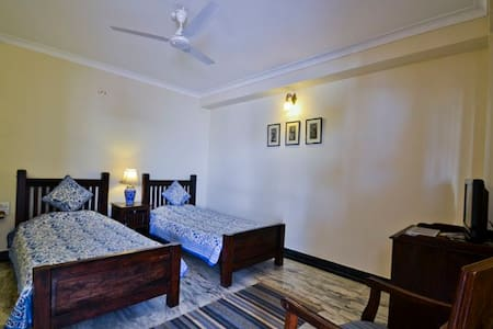 Comfort Zoned Private Spacious Room - Jaipur