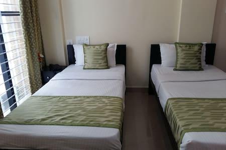Comfortable Standard Twin room near Mysore Palace - Mysuru