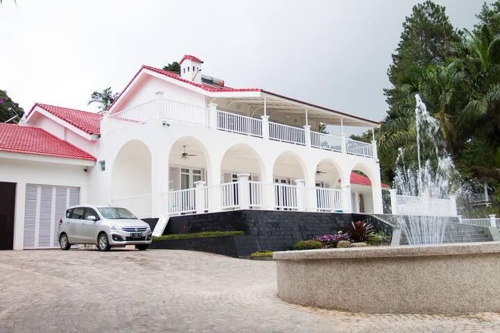 The White House - Cisarua Bogor