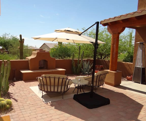 Exclusive Desert Resort-Style Guest House - Phoenix