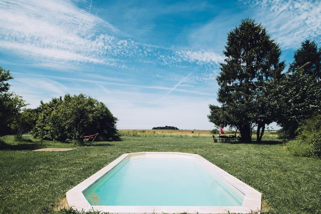 Belle maison en pierres avec piscine rocquemont for Camping avec piscine nord pas de calais