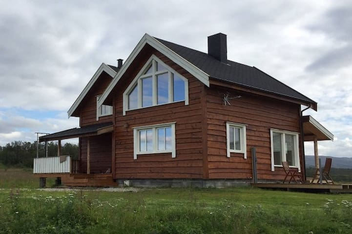 3 bedroom House with sauna and Laundryroom - Porsanger - Huis