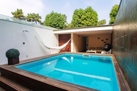 Moderna casa de férias com piscina privada!