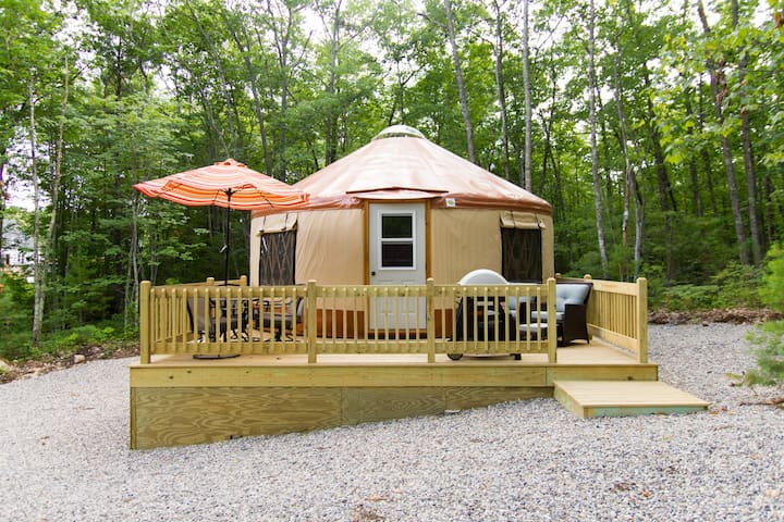 Fire Fly Yurts on Funky Bow Lane - Lyman