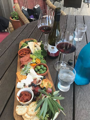 Scrumptious platters and Stunning wines