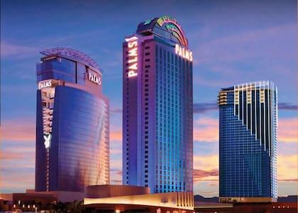 Las Vegas Luxury Condo Palms Place 22 STRIP VIEW