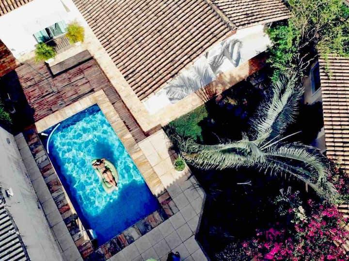 Casa  climatizada,  5 quartos , piscina