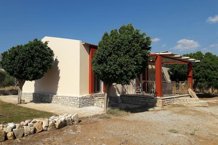 House Kokkinos Pirgos - close to the beach
