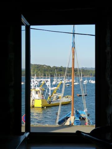 Maison de pêcheur à Plougastel, les pieds dans l'o - Brest - House