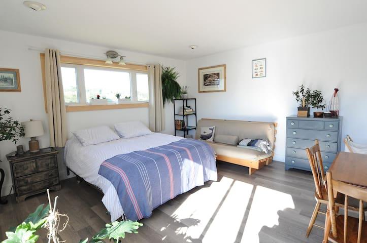 Beachside Studio Apartment