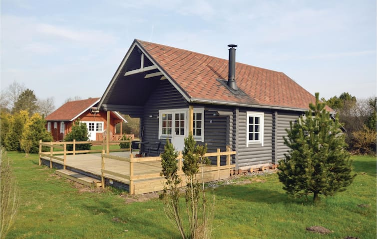 Holiday cottage with 2 bedrooms on 58m² in Hovborg
