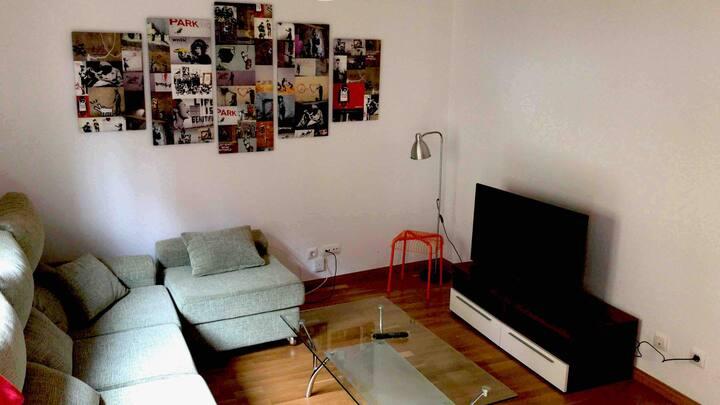 AlternativO, Centrico, Terraza, garaje, 9 plazas.