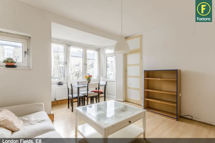 Light, airy, flat located in the heart of Hackney