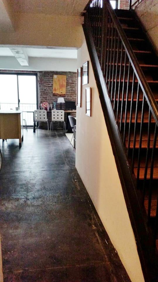 Upstairs Floor to Top Bedroom