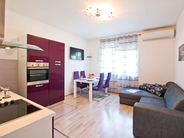 Modern 2 bedroom apartment in City Center