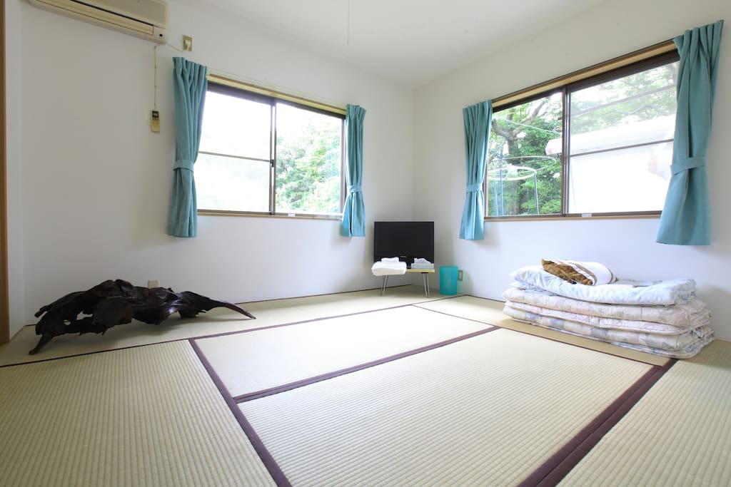 Tatami room with A/C which sleeps max 5.