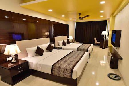 CALANGUTE CENTRAL - SUPER DELUXE - North Goa