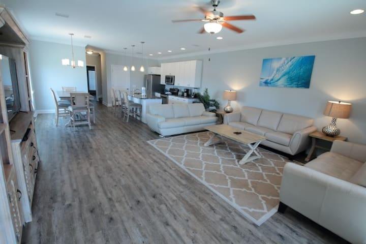 5BR/3BA Townhouse Gulf-View Beauty Sleep 12-6008