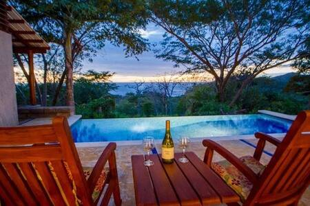 Jungle experience, private pool, lovely sunsets!!!