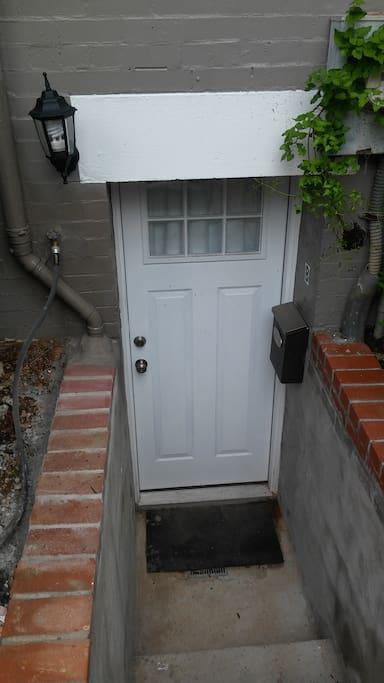door to basement unit