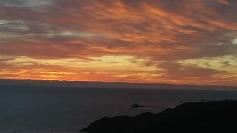 Casa Mediodia B&B Sunrise Overlooking the Pacific
