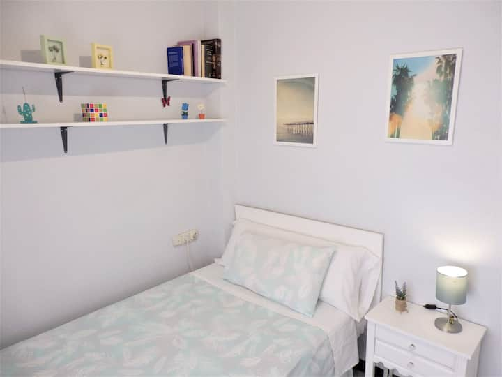 Room near the city center 2 (only girls)