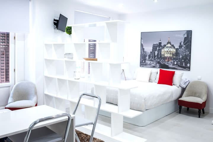 Design apartment in Plaza Mayor 1 I