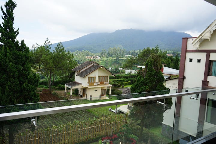 5+1 BR Villa Lembang 61 - Mountain Views