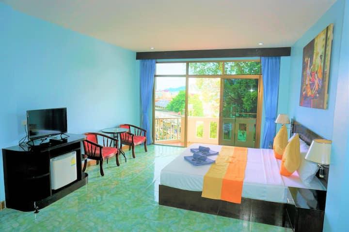 Cozy Double Room with balcony, good view, pool
