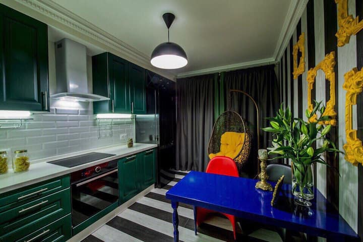 A large new one-bedroom apt nearby Moscow