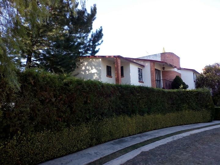 Casa Club de Golf Tequisquiapan ACOGEDORA Y SEGURA