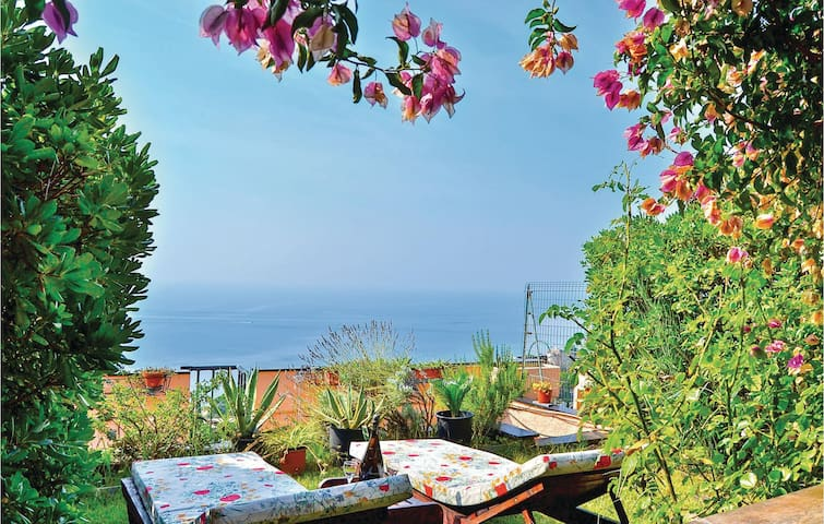 Holiday apartment with 1 bedroom on 50m² in Varazze SV