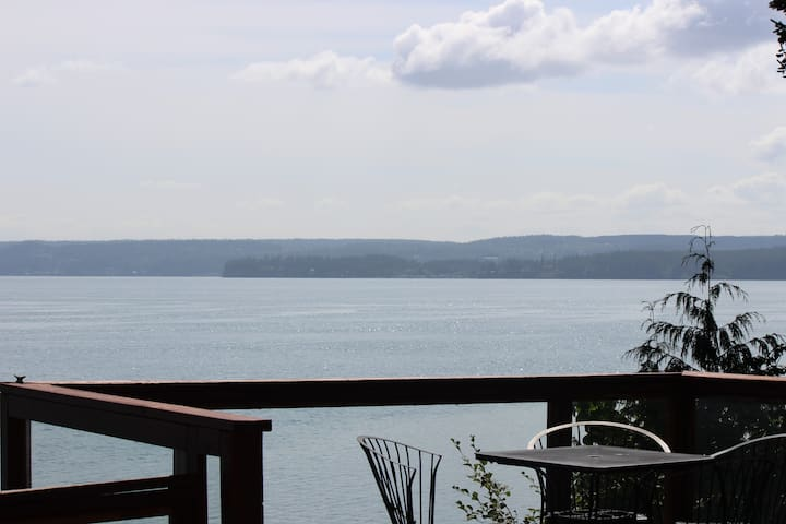 Wonderful place to relax and enjoy the Hood Canal
