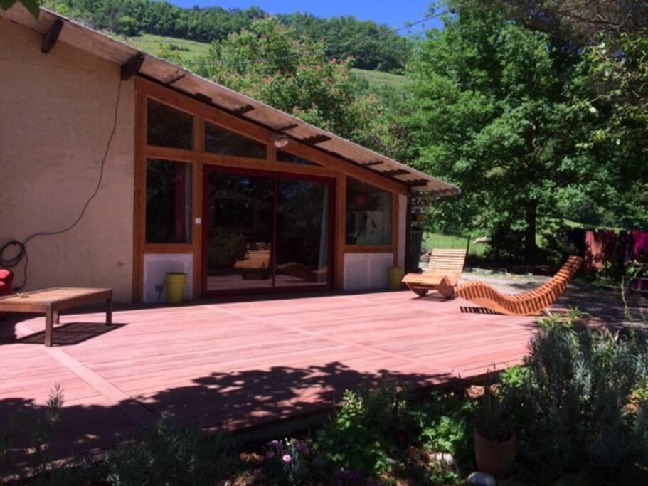 Terrasse et salon extérieur