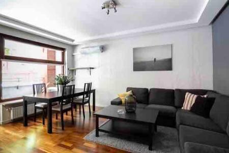 Modern Apartment Poznan Close to City Centre