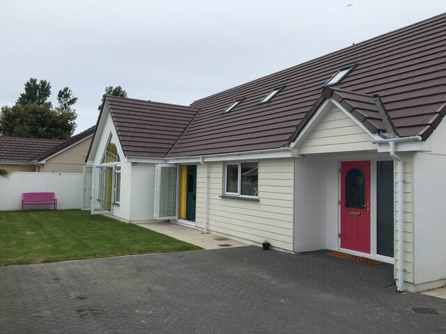 Very spacious family detached home - Braunton - Bungalow