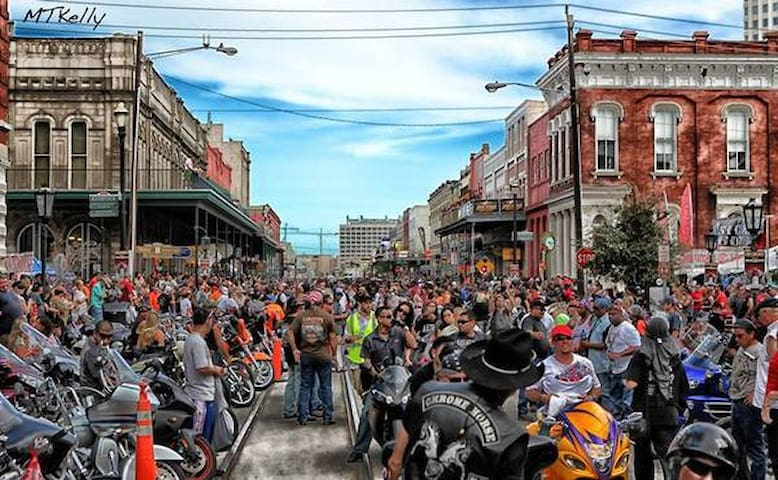 Lone Star Biker Rally one block off our street!