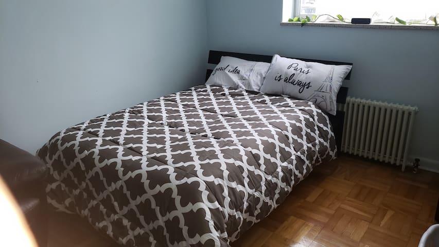 Spacious Comfy room