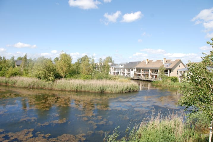 Ducklings;a relaxing and peaceful lakeside retreat - Somerford Keynes - Dům
