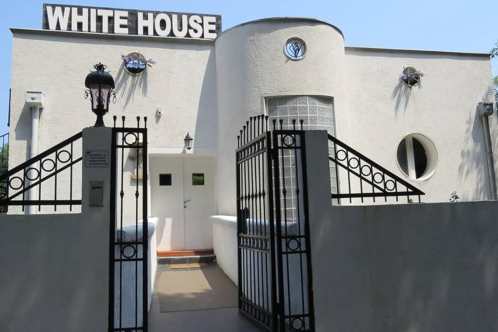 White House entrance I
