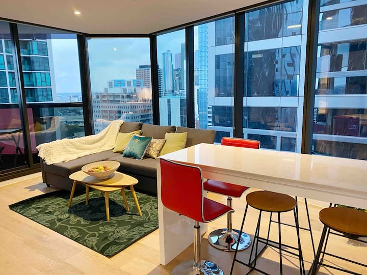 The Westside 2 bd 2 bath apt in Melb CBD GYM POOL