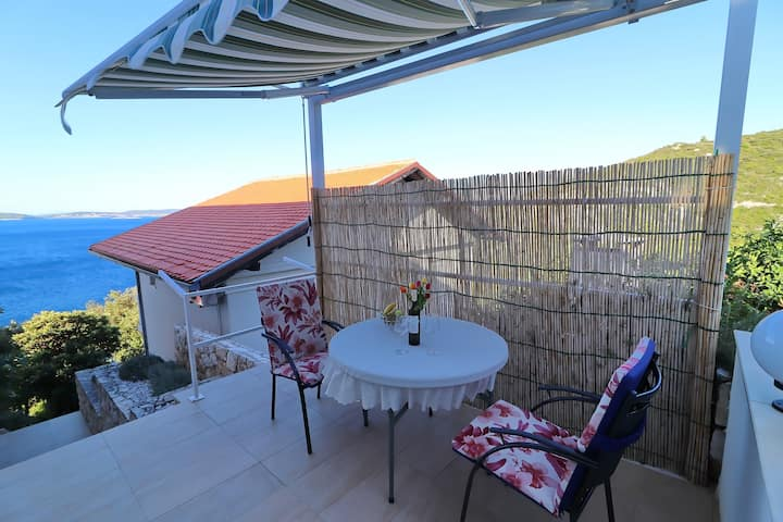 Seaside Apartments Hrkać - Standard One Bedroom Apartment with Terrace and Sea View 2