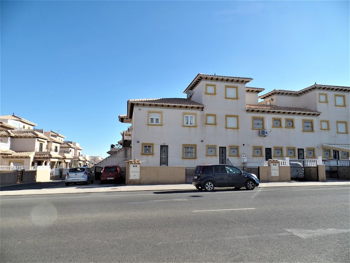 Spanish Style Apartment close to all amenities.