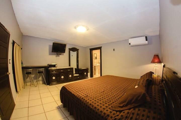 El Alamo Bed and Breakfast Room 1