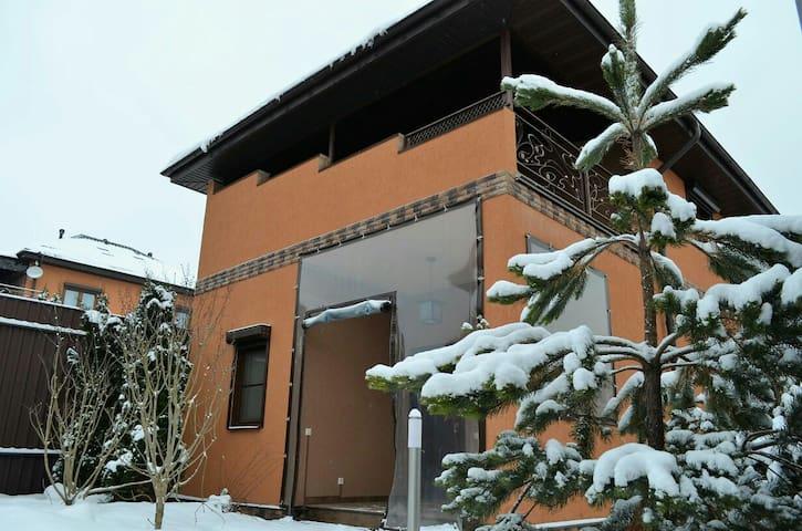 Сдам дом на Круглом озере посуточно - Дмитровский район - House