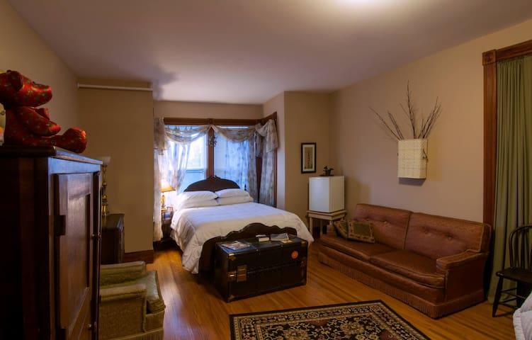 Liberty House Room #2