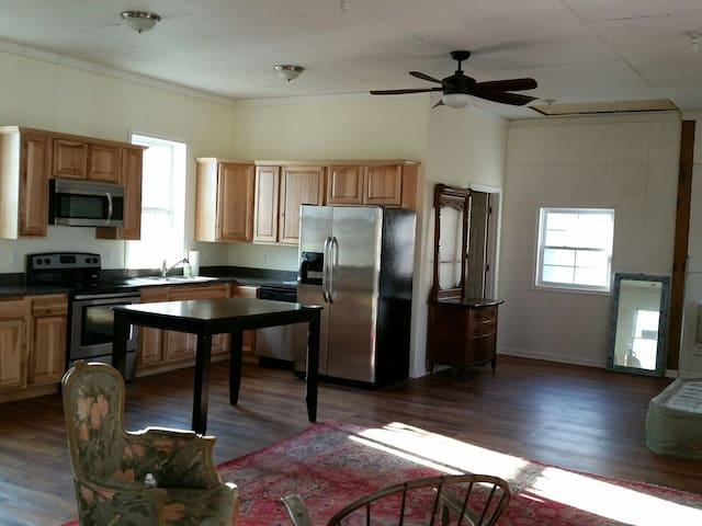Country living in a new apartment!! - Purcellville, Virginia, US - Apartment